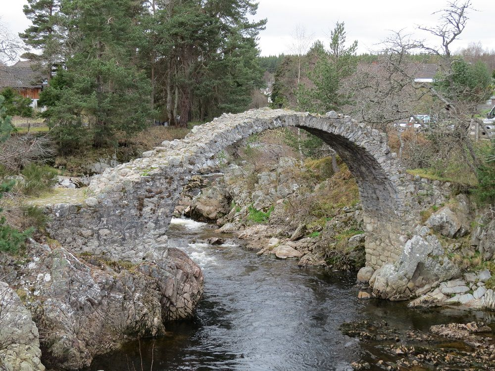 077 Packhorse Bridge - Carrbridge.JPG