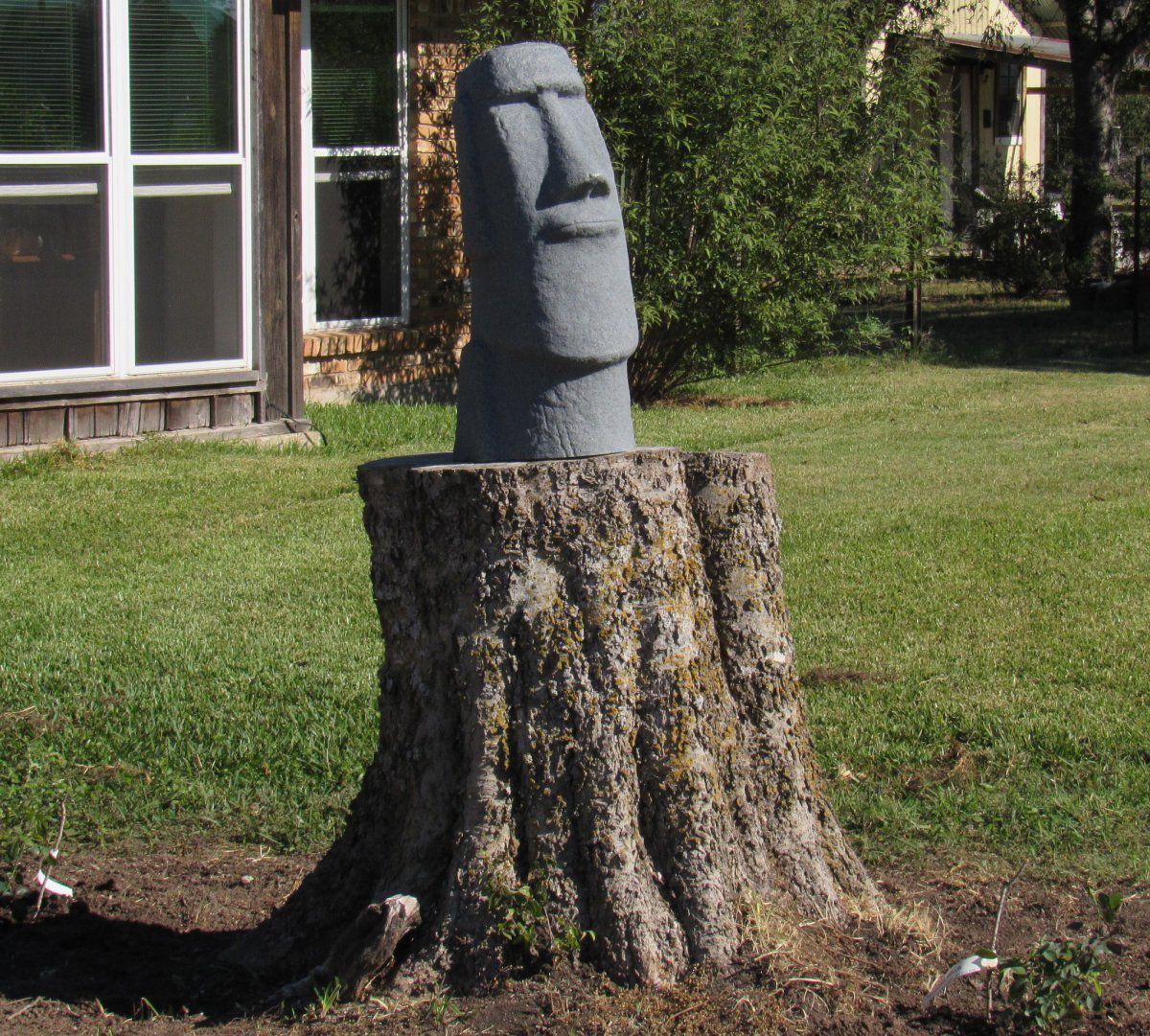Easter Island statue.jpg