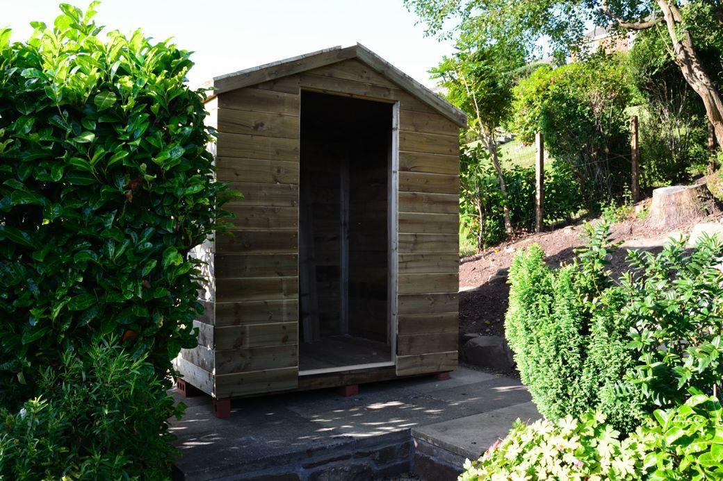 Garden hut._002.JPG
