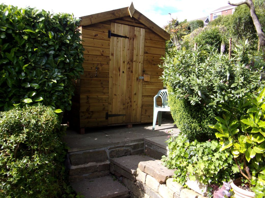 Garden huts._001.JPG
