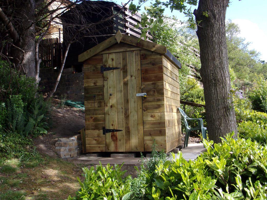 Garden huts._002.JPG