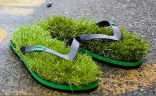 gift lawn flip flops.jpg