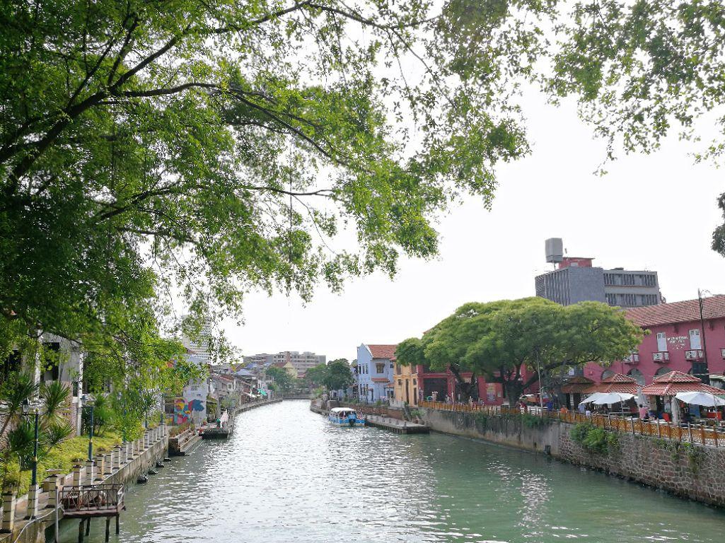 melaka riverfront.jpg