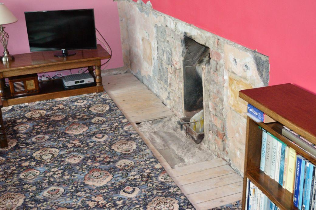 New fireplace._004.JPG